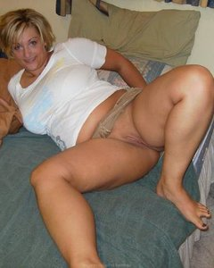 Зрелые и сексуальные мамочки знают толк в соблазне и удовлетворении