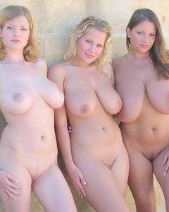 Телки с большими дойками регулярно жарятся в групповушке