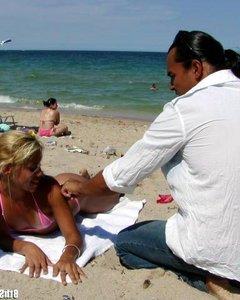 Оральный секс с белобрысой давалкой с пляжа