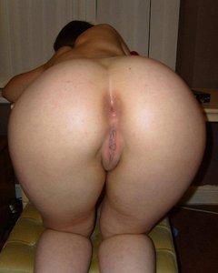 Большие задницы отменных тёлочек просятся на грех раком