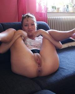 Домашняя подборка бритых пёзд и секса на камеру