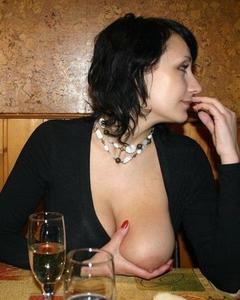 Мамки демонстрируют обнаженные тела на сайтах знакомств