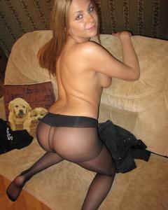 Молодые девки позируют в нижнем белье